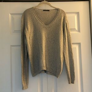 V-neck Brandy Melville Sweater